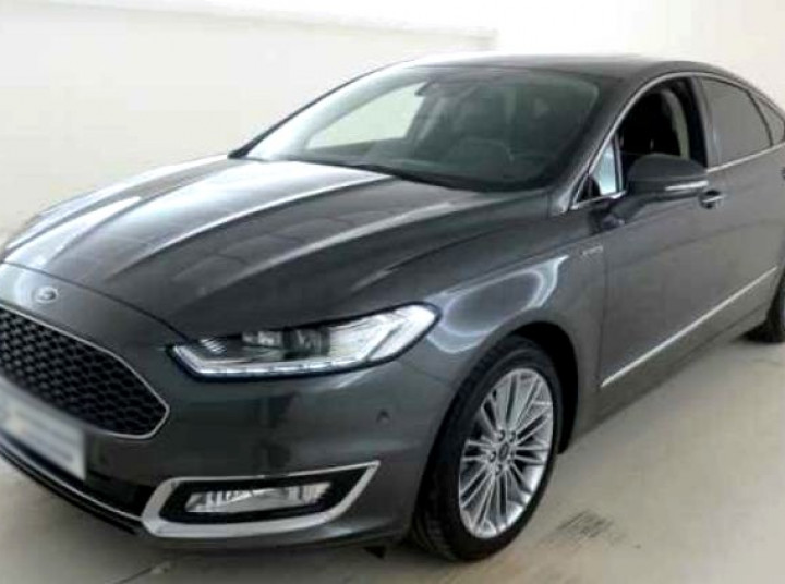 FORD MONDEO VIGNALE 184CH POWERCHIF